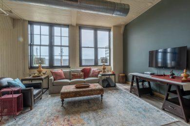Exuburent Living Room